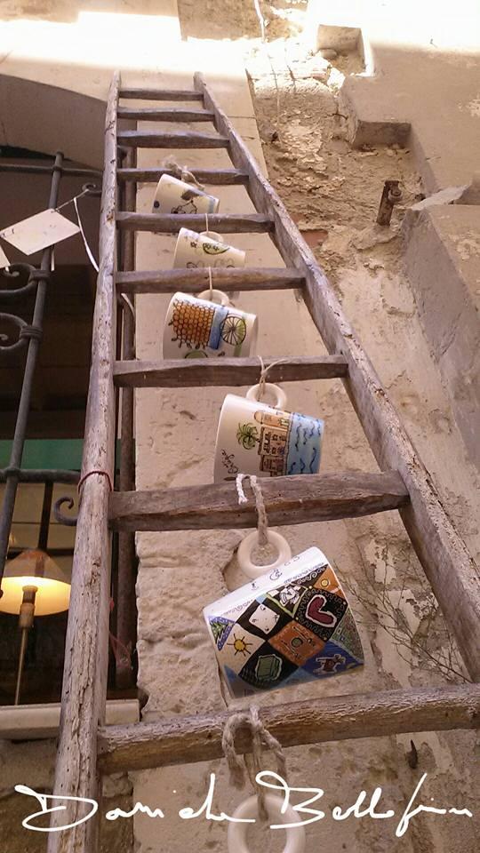 Salendo le tazze di Daniela Bellofiore